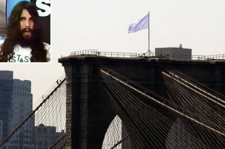 Cops closing in on Brooklyn Bridge white flagsuspects